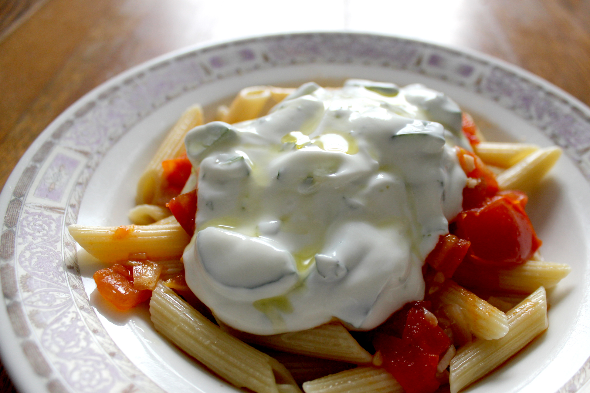 how to make chopped tomatoes into pasta sauce