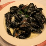06. Pasta with mussels and cream.