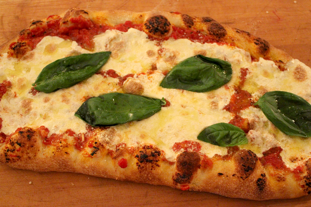 Homemade_Pizza_IMG_9996